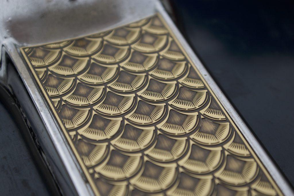 FXR 真鍮製ダッシュカバー うろこ模様