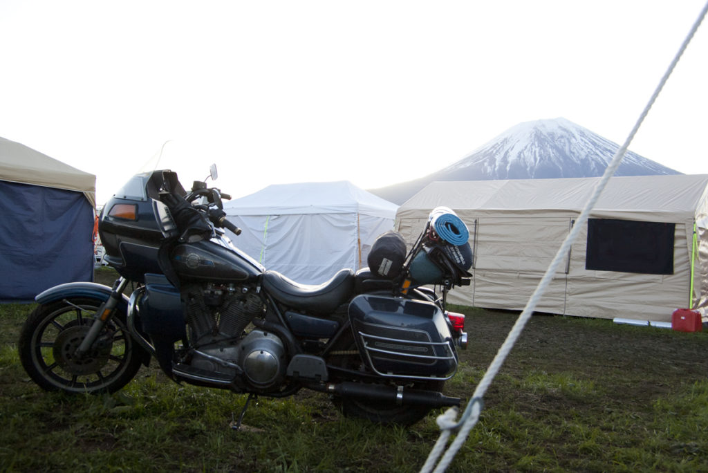 Harley-Davidson FXRD at the foot of Mt. Fuji in 2018