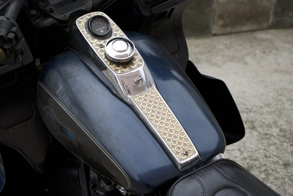 Harley-Davidson FXR 真鍮製ガソリンタンクダッシュカバー